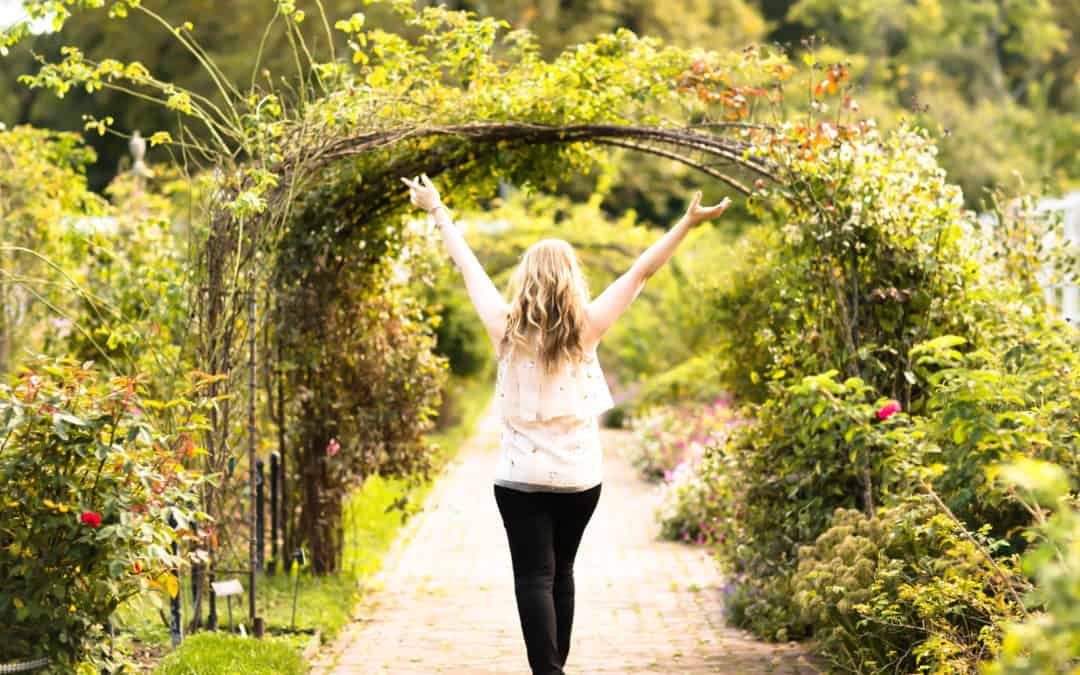 Matkalla kohti onnellista, aitoa ja omaa naiseuden voimaa